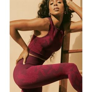 Kelly Rowland for Fabletics 2-piece set!
